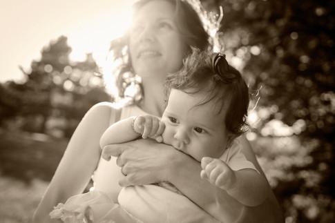 В ръцете на мама