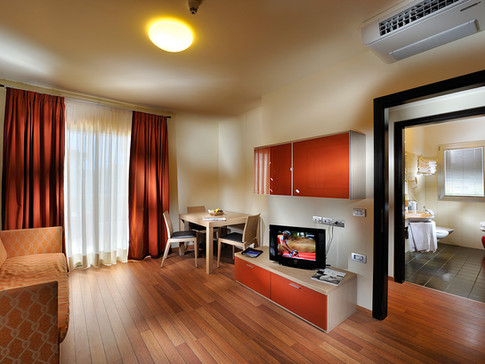 honey-suite-01.jpg