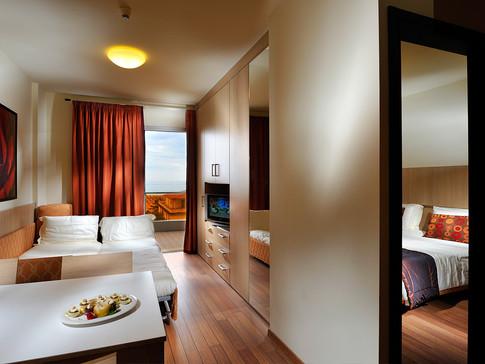 easy-suite-01.jpg