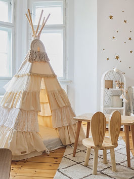 tipi-with-flounces-shabby-chic-child-roo