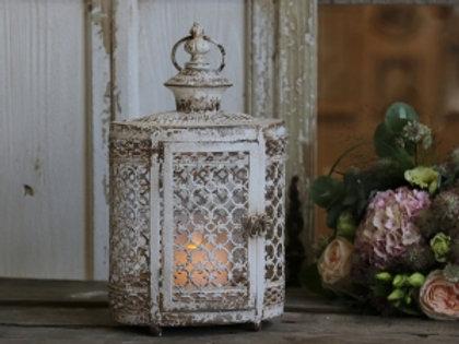 Lantern with pearl edge