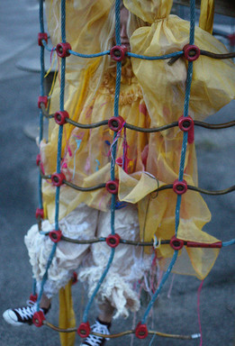 Outfit designed by Sasha Avgherinos (4).