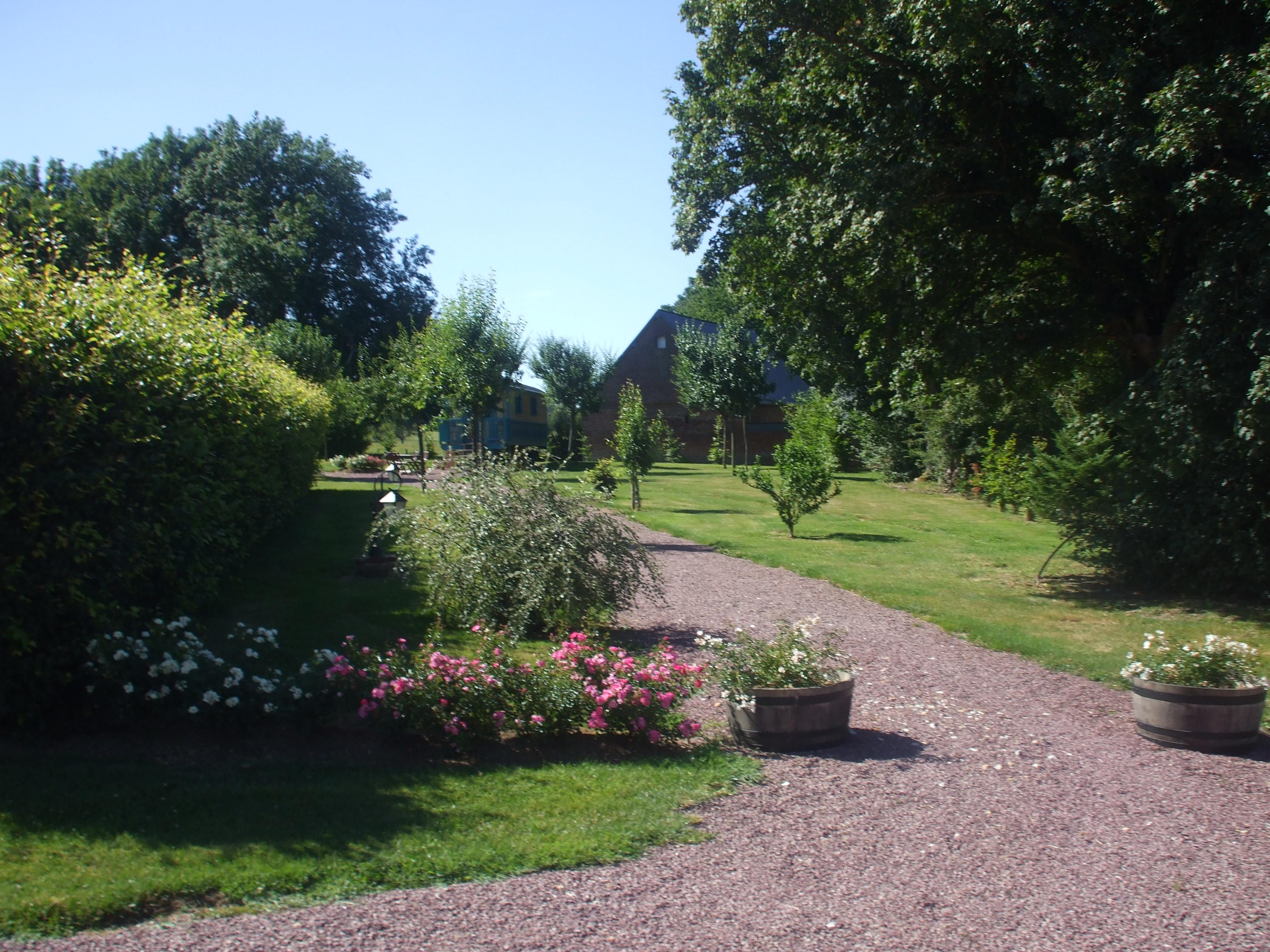 Une allée du jardin