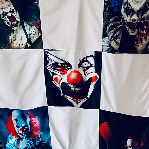 Small Halloween Clown Throw Blanket
