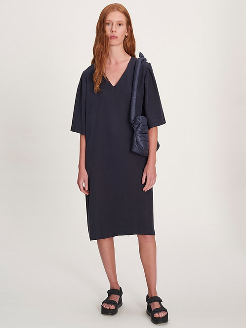 Dress with pleated Sleeves