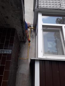 ТОВ УК «Корабельний» проводить фарбування будинкових газопроводів по фасаду житлових будинків по вул. Знаменська 47,491.jpg