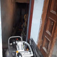 В рамках підготовки до опалювального періоду наші фахівці провели промивання трубопроводів та гідравличне випробування системи централізованого опалення в будинку за адресою: вул. Райдужна,471.jpg