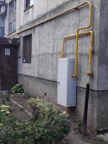 2 ТОВ УК «Корабельний» проводить фарбування будинкових газопроводів по фасаду житлових будинків по вул. Знаменська 47,49.jpg
