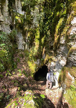 7. Cueva de Aginaga.jpg