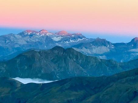 Gran Bachimala o Pico Schrader (3.177 m) desde Refugio de Viadós con pernocta en Ibones de Bachimala