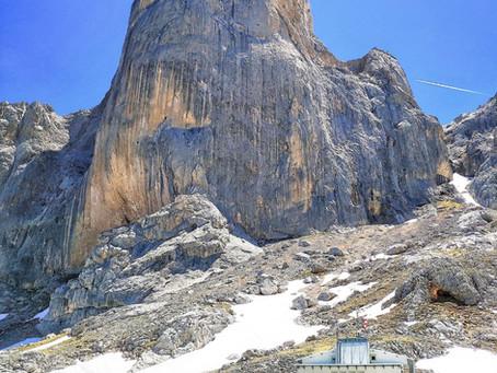 Refugio de Urriellu desde Collado de Pandebano