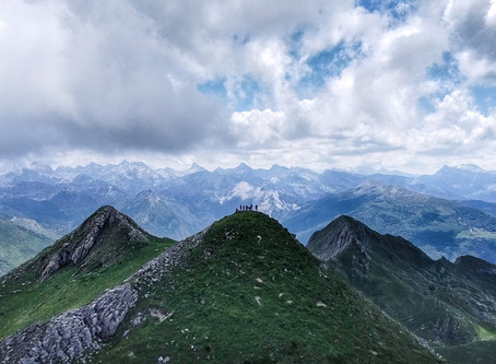 Lakartxela (1.982 m) y Bimbalet (1.757 m) desde Refugio de Yeguaceros