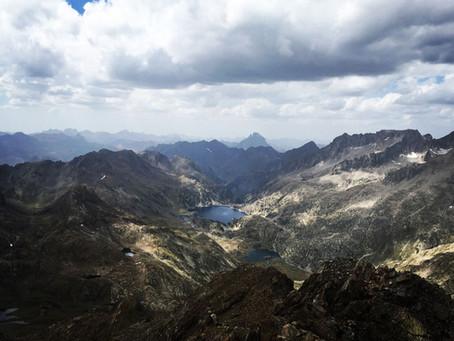 Gran Facha (3.005 m) desde Embalse de La Sarra