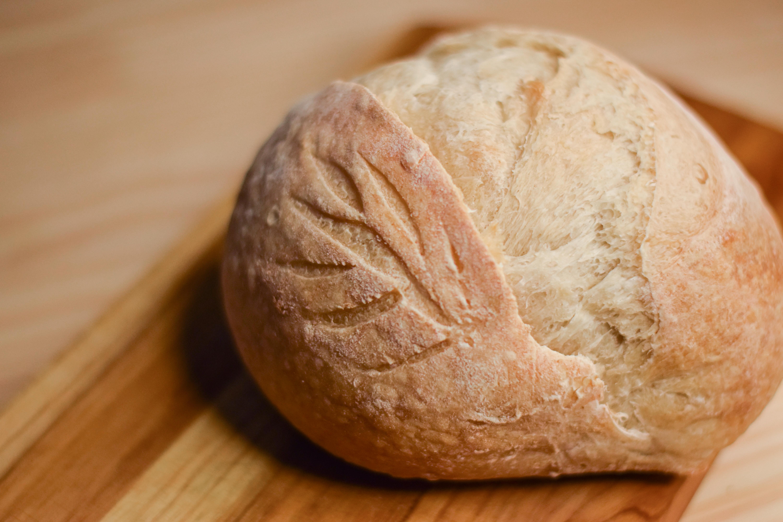 pão de fermentação natural feito de forma artesanal em florianópolis e são josé