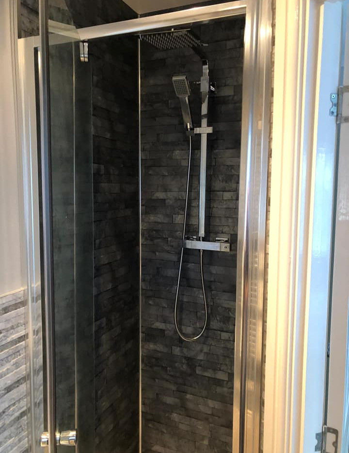 Shower enclosure as part of a refit