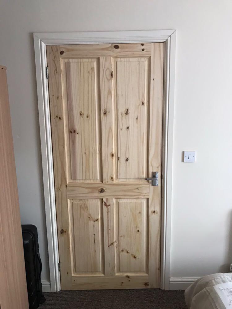 bedroomdoor1