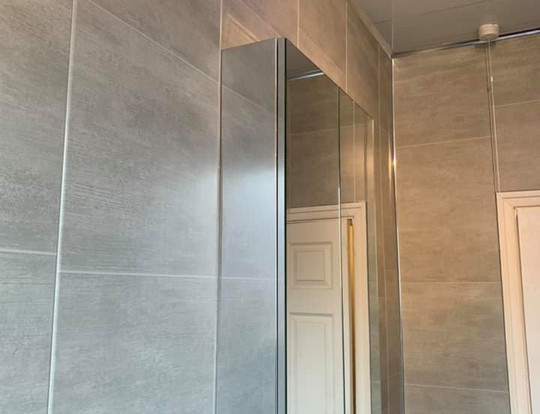 Walls and ceiling high quality finish
