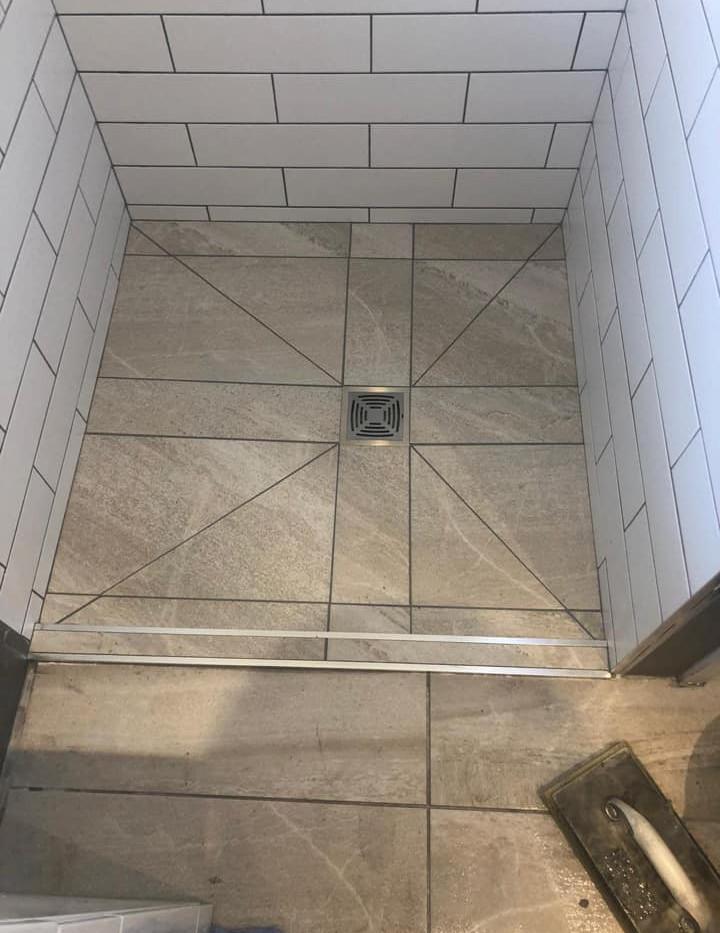 Fully tiled enclosure