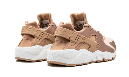 nike air huaraches rose gold urban styles fashion. Black Bedroom Furniture Sets. Home Design Ideas