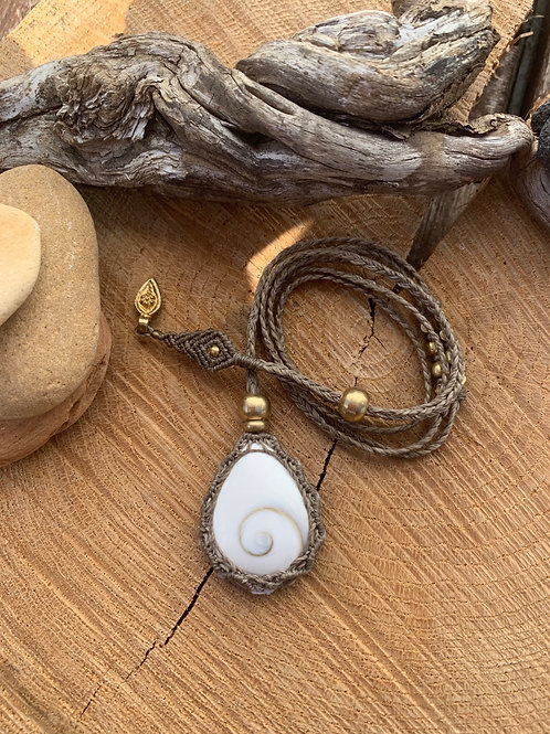 On'na Shiva Shell Empowering Macrame Jewel