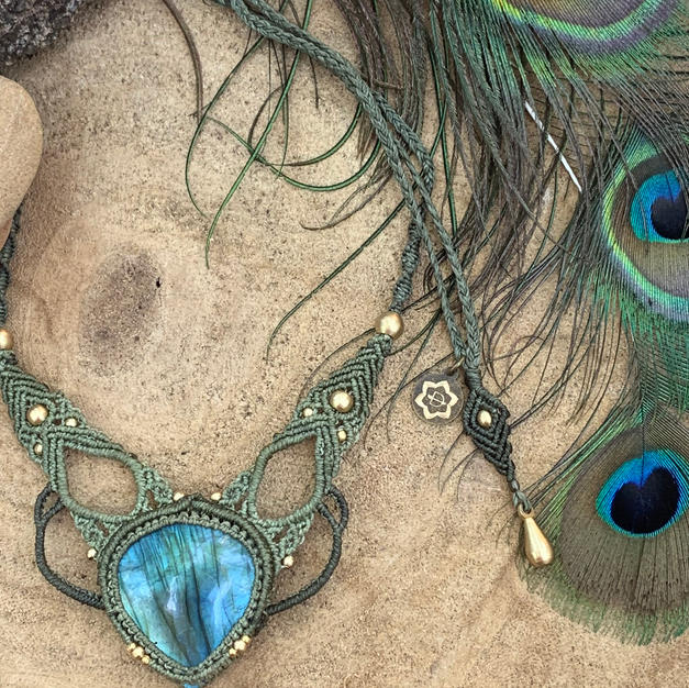 Necklace with Labradorite Dharmacrame