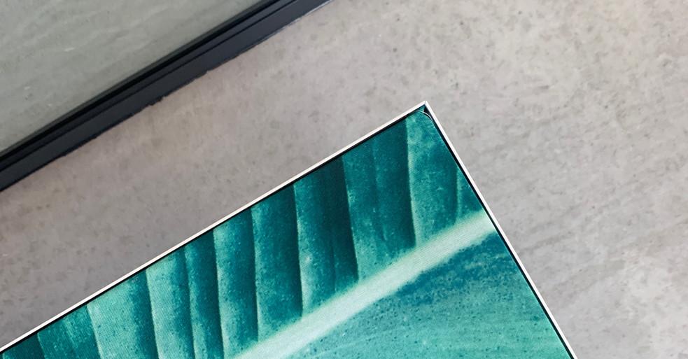 Skaermvaeg-44-akustikbillede-skaermvaeg-bordskaerm-alpha-akustik-metalramme-1.JPG