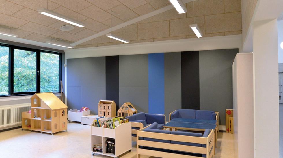 Væg med Alpha TYST i børnehave