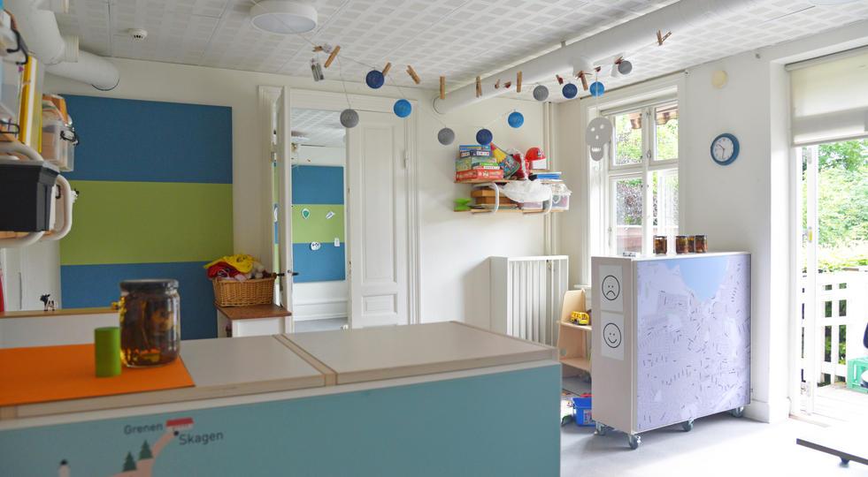 ALPHA TYST OG AKUSTIKBILLEDER - akustik og støjdæmpning i børnehave