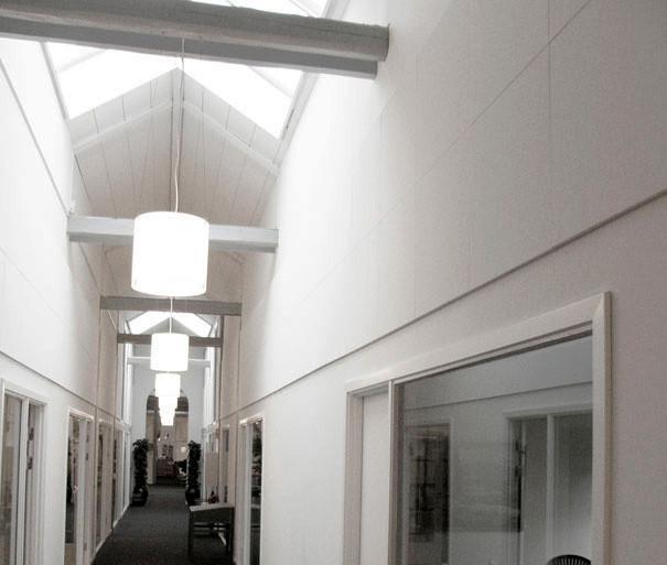 Akustik på vægge i kontorbygning