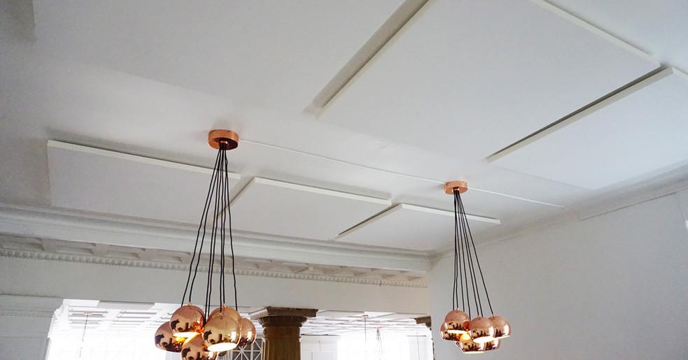 Alpha SOLO - Akustikløsning til loftet på restaurant