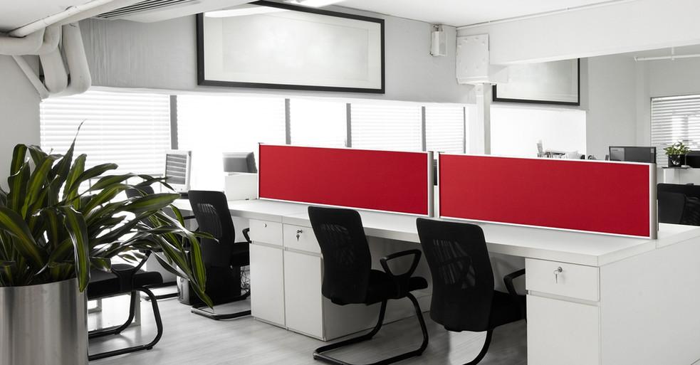 Alpha Bordskærm på kontor