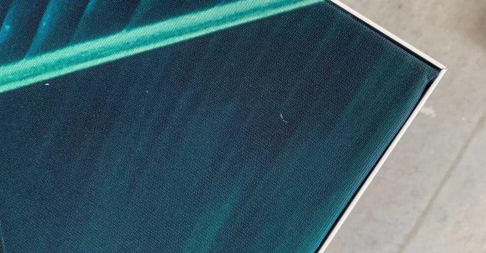 Akustikbillede med hvid ramme