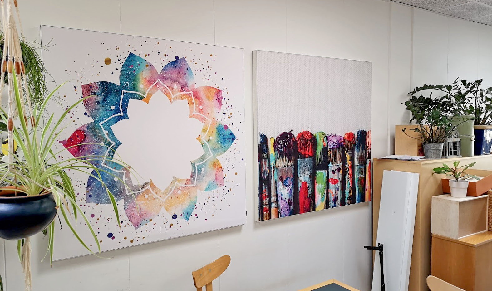 Akustikbilleder med kreative motive til kreativt rum i børnehave