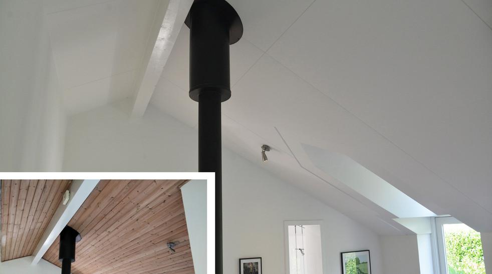 Før og efter - heldækkende akustikloft med ALPHA Direct