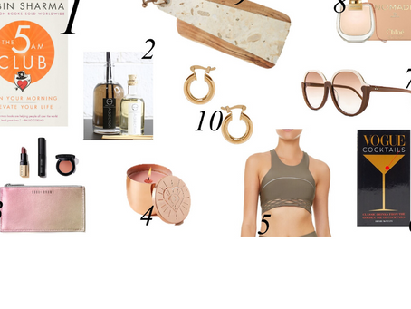 Find out how to surprise your loved ones with the Holiday Gift Guide (for any budget)!
