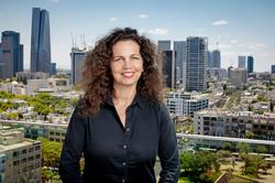 הלה אורן, מנכל״ית קרן ת״א לפיתוח|סטודיו כותרת - צילום תדמית לעסקים