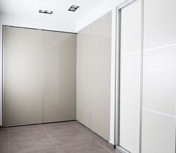 צילום ארונות בחדרי תצוגה|סטודיו כותרת - צילום תדמית לעסקים