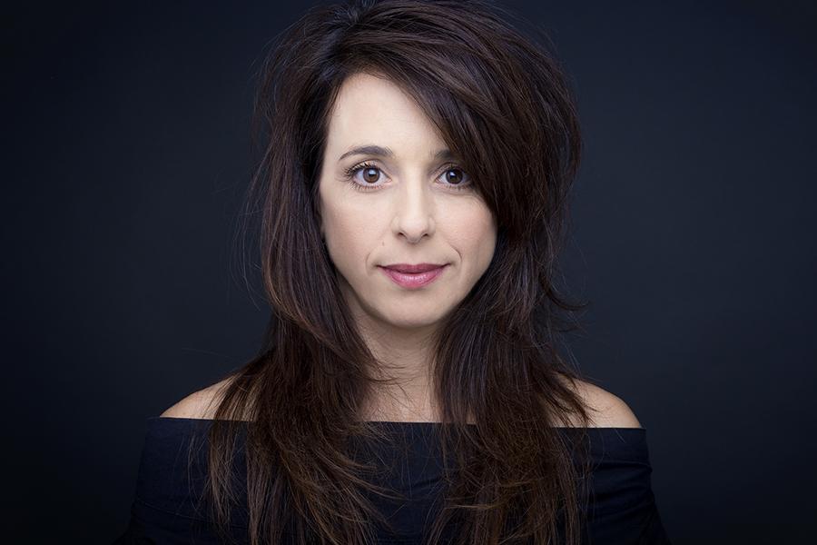 בוק שחקנית|סטודיו כותרת - צילום תדמית לעסקים