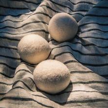 20200619-Earth-Thanks-Wool Dryer Balls 1