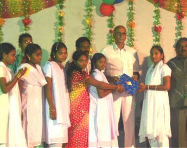 """""""Feed My People"""" Ministry In India Rescues Girls From Brothels"""