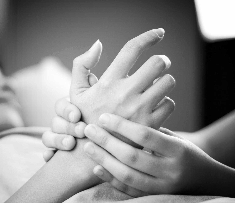 hand-massage-3_edited