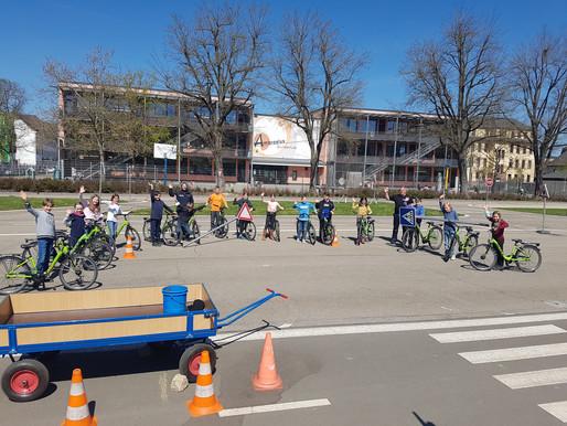 Fahrradprüfung der Klasse 4a 🚲