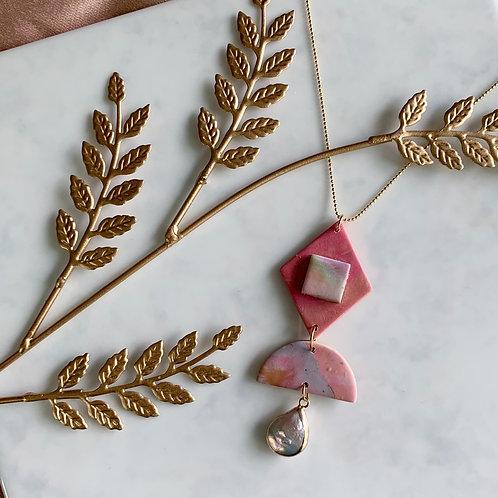 Geo Perla Pink Necklace