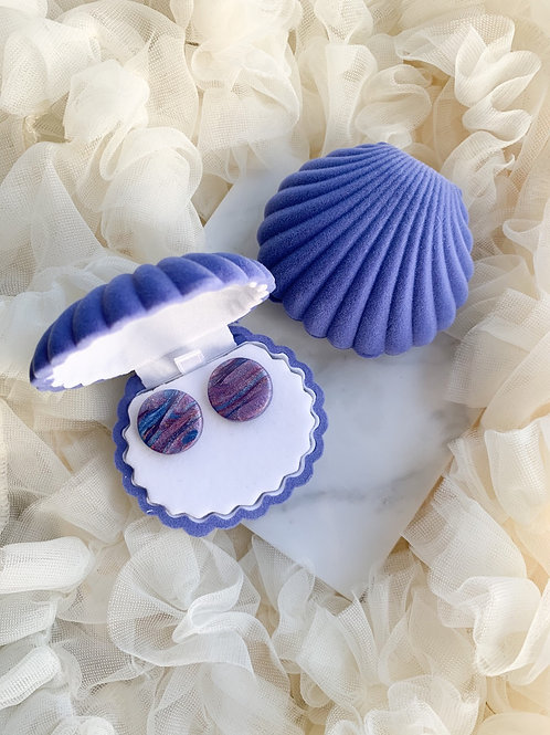Studs in a shell // Blue