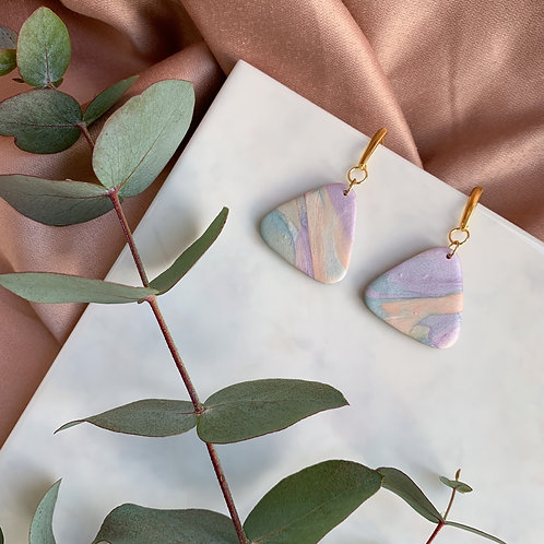 Loreli in marbled Pearly Pastels
