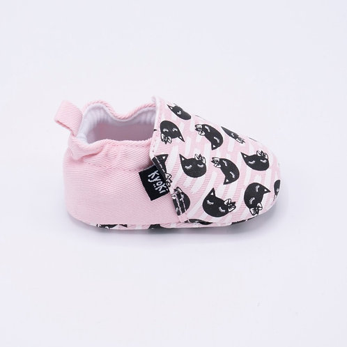 copy of The One With the Cats With a Bow and Soft Fabric Sole