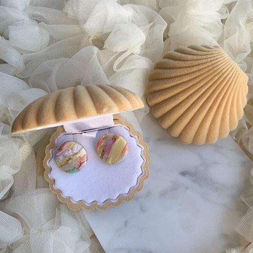 Studs in a Shell // Beige