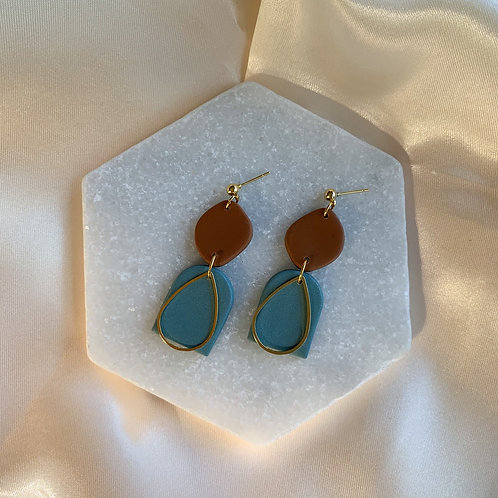 Brielle in lovely blue and cognac