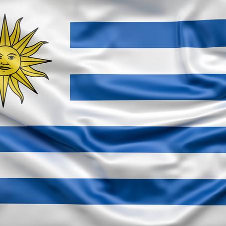 Uruguay explora usar IA en el Estado y especialistas discuten cómo proteger los datos personales