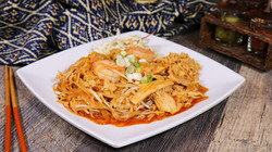 Pad Thai Shrimp and Chicken (5)